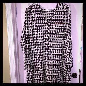 Tops - Houndstooth Tunic with pocket